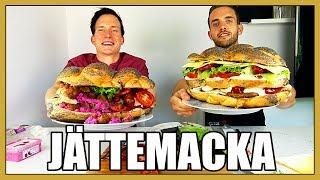 Download Vi Försöker Äta Varsin JÄTTEMACKA! Video
