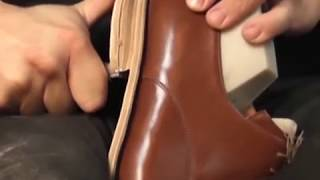 Download Basic Shoemaking Method - The Cemented Construction Video
