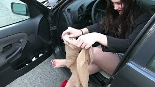 Download Pedal Vamp - Miss Iris stockings used in ″Miss Iris blowing the BMW″ FOR SALE ON EBAY !! Video