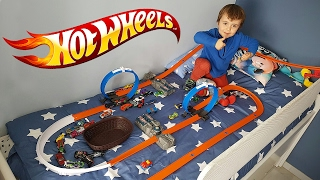Download HOT WHEELS NA CAMA!! Pista Track Builder Corrida de Carros da HotWheels Video