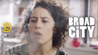 Download Broad City - Exclusive - 4 Minutes and 20 Seconds with Broad City Video