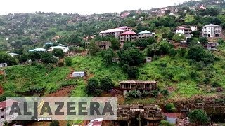 Download Sierra Leone mudslide survivors angry as hundreds remain missing Video
