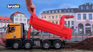 Download Mercedes-Benz Arocs Halfpipe Kipp-LKW - 03623 - BRUDER Spielwaren Video