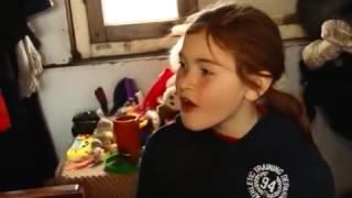 Download ბავშვი რომელიც სასაფლაოზე ცხოვრობს Low Video