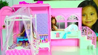 Download Samantha Glamour Handbag Bed and Suite Playset with Barbie Dolls Video