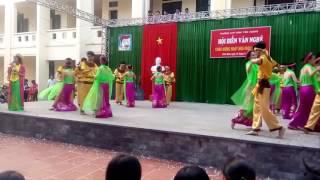 Download Hát múa: Đây là quê em Ninh Bình - Liên chi A4 - Trường THPT Đinh Tiên Hoàng - Ninh Bình Video