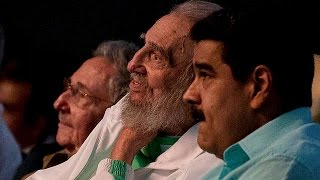 Download Fidel Castro makes rare public appearance for 90th birthday gala Video