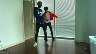 Download M.I.A- Paper Planes @HiiiKey    Ayo & Teo #TeoPaperPlanesChallenge Video