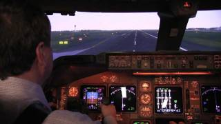Download Inside REAL Qantas 747 flight simulator HD Video