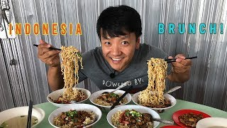 Download EXTREMELY CHEWY NOODLES! Indonesian BRUNCH Street Food Tour in Jakarta Indonesia Video