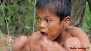 Download Primitive Technology - Eating delicious - Cooking pork belly on a rock #30 Video