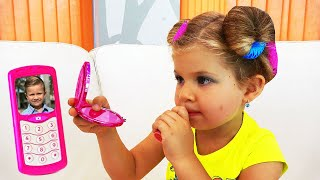 Download Diana and girl toys Video