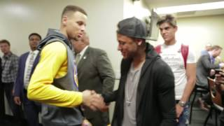 Download Neymar Jr. hangs with the Golden State Warriors following their‪ #‎NBAFinals‬ Game 2 victory! Video