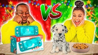 Download CHEAP VS EXPENSIVE CHRISTMAS PRESENTS CHALLENGE 🎁 Video