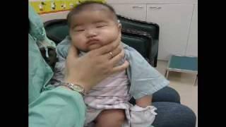 Download 幫baby拍打嗝的最終密技~by淡水馬偕護士傳授 Video