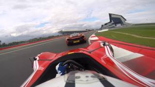 Download McLaren P1 VS BAC Mono on track Video