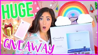 Download HUGE HOLIDAY GIVEAWAY + GIFT GUIDE! Video