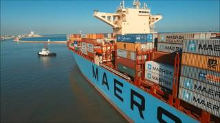 Download The biggest ship ever entering Haifa Port - MAERSK ELBA Video