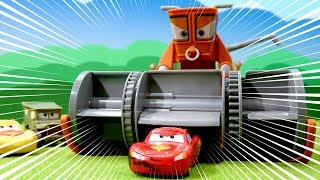 Download Disney Cars Color Changers Playset toys Chase & Change Franck & Lightning Mcqueen for cartoon movie Video