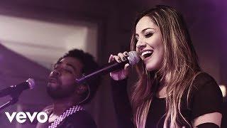 Download Preto no Branco - Ninguém Explica Deus ft. Gabriela Rocha Video