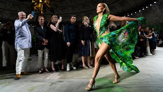 Download Versace Women's Spring-Summer 2020 | Fashion Show Video