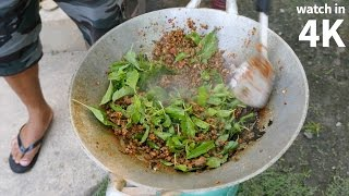 Download Eating Crazy Spicy Quail (นกกระทาผัดเผ็ด) - Thailand Village Food in Nakhon Sawan! Video