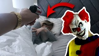 Download EXTREME SCARE PRANK ON GIRLFRIEND!! Video