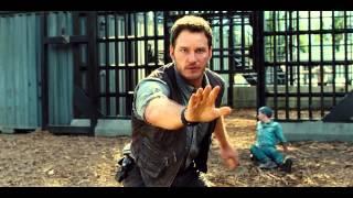 Download Jurassic World / Extrait 3 ″Owen sauve un employé des Raptors ″ VF [Au cinéma le 10 Juin] Video