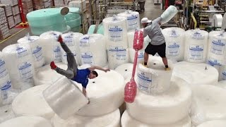 Download Bubble Wrap Battle | Dude Perfect Video
