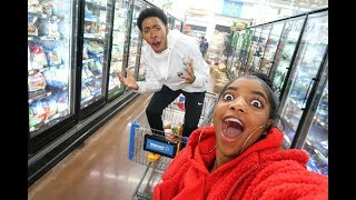 Download CRAZY LATE NIGHT GROCERY SHOPPING | VLOGMAS DAY 3 Video