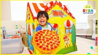 Download Ryan Drive Thru Pretend Play with Pizza Cooking Restaurant Playhouse!!! Video