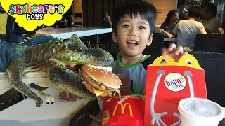 Download Feeding our Pet Dinosaur in Mcdonalds | with Big MAC, French Fries, Nuggets, dinosaur toys for kids Video