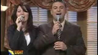 Download خذني بقرب قلبك زياد شحادة وزوجته فيفيان Video