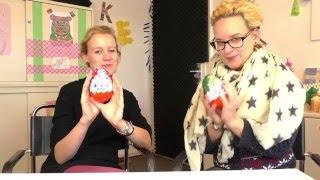 Download Kinder Überraschung Maxi Unboxing | Eva & Kathi packen große Weihnachts Ü-Eier aus Video