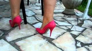 Download PINK HIGH HEELS Video