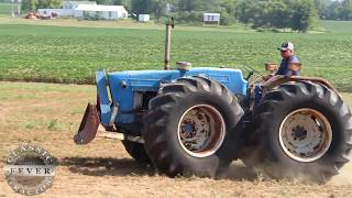 Download The First Modern ″Ford″ 4 Wheel Drive Tractors? County 1164 - Classic Tractor Fever Video