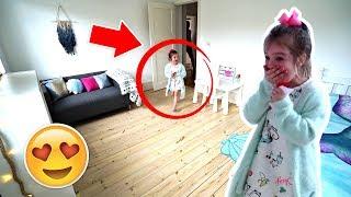 Download KiDS SURPRiSE MERMAiD BEDROOM MAKEOVER! 🧜♀️ Video