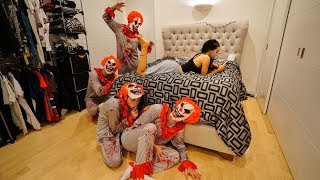 Download CRAZY CLOWN PRANK ON GIRLFRIEND! Video