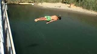 Download Happier Times in Syria, Euphrates River Swimming in Deir Ez-Zur Video
