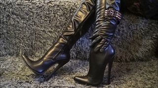 Download I'm in leather outfit and thigh high boots with 18 cm extreme heels Video