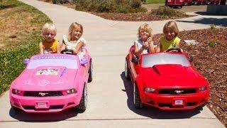 Download Power Wheels Sidewalk Race - Ford Mustang vs Disney Mustang Video