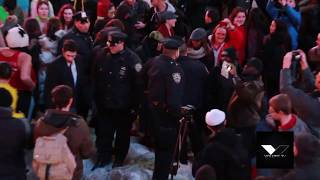 Download Police stop massive Harlem Shake in Times Square NYC Video