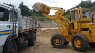 Download Pala gommata Rossi 500 hda carica camion Video