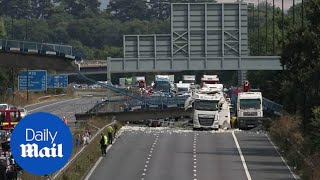 Download M20 closed after lorry crash causes footbridge collapse - GVs - Daily Mail Video