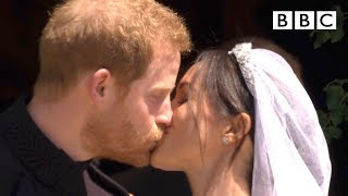 Download First kiss, epic carriage ride! | Prince Harry and Meghan Markle - The Royal Wedding - BBC Video