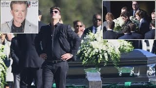 Download Robin Thicke Breaks Down At Father's Funeral Attended By Dad's Close Friends Video