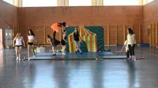 Download Acrogimnasia 1 º BACH A 2 IES La Hoya de Buñol 2014/2015 Video
