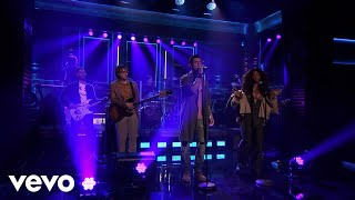 Download Maroon 5 - What Lovers Do (Live On The Tonight Show Starring Jimmy Fallon/2017) ft. SZA Video