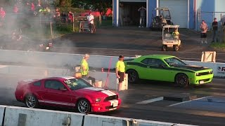 Download 1000$ race-Hellcat Challenger vs 650 Shelby Gt500 Modified 650 hp manual-drag race 1/4 mile Video