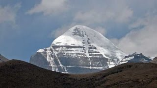 Download Mt Kailash and the Walk around the Sacred Mountain - in 4K Video
